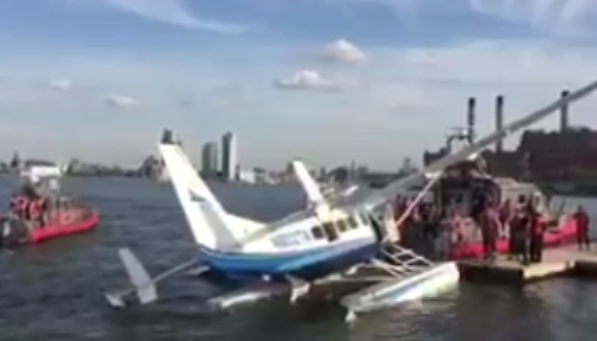 Passengers Rescued from Disabled Plane on New York's East River