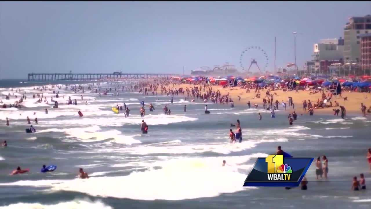 There S A Debate Brewing In Ocean City Over Women Sunbathing On The Beach Bare Chested