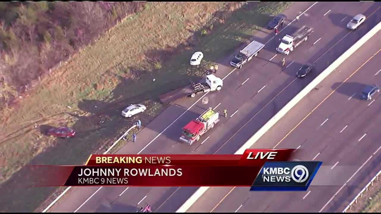 10-vehicle accident on I-635