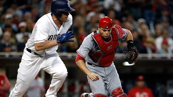 Richard, Cordero lead Padres past slumping Reds 6-2