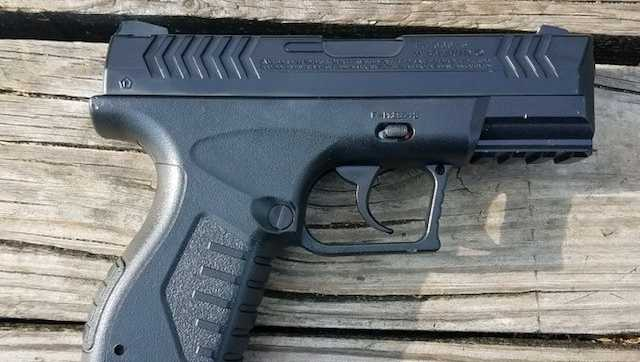 replica gun pistol