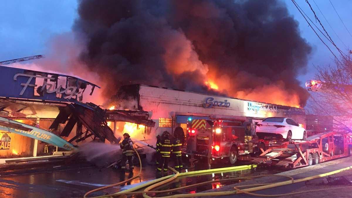 5-Alarm fire destroys Revere landmark