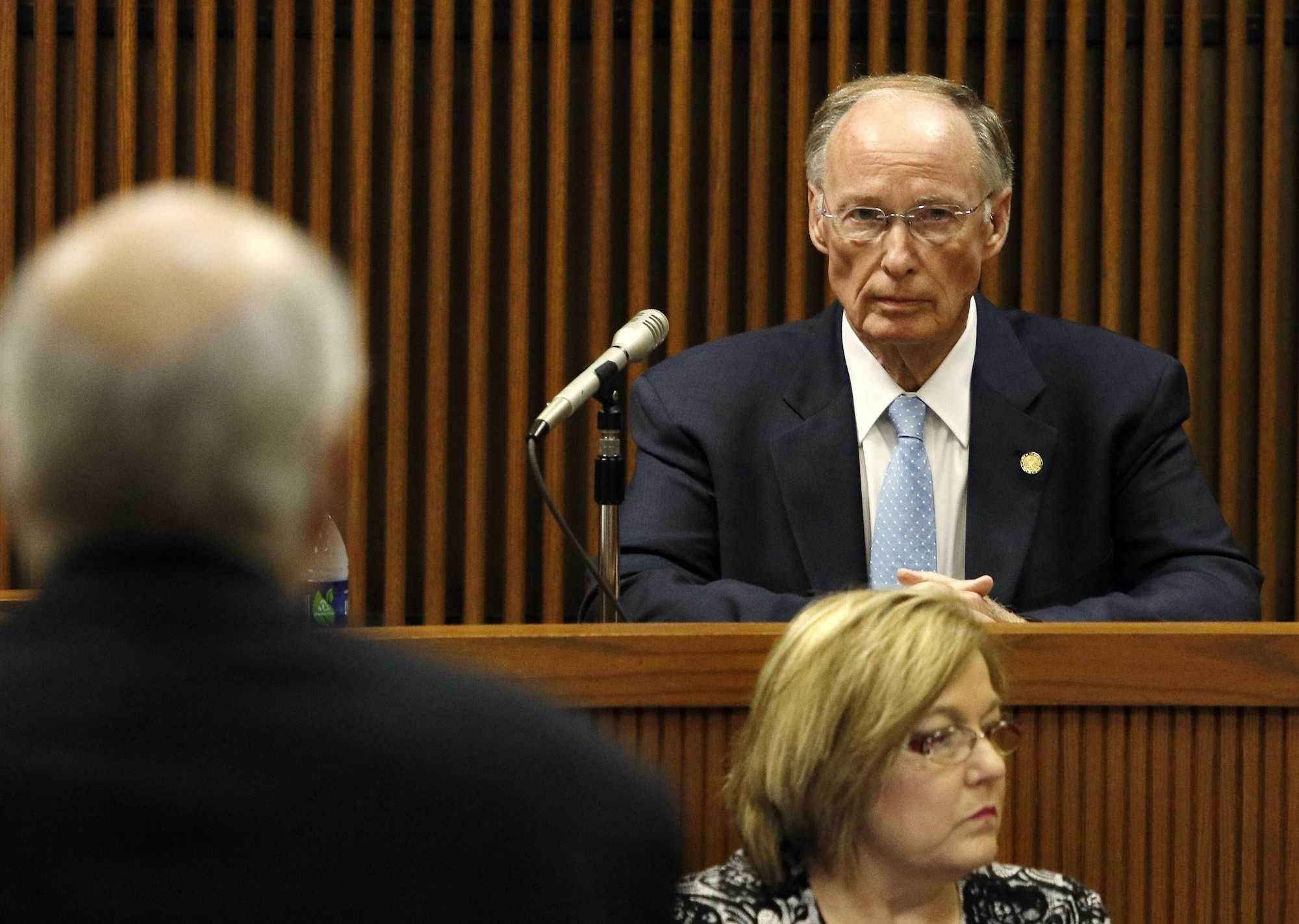 Restraining order filed by Gov. Robert Bentley stayed by Alabama Supreme Court