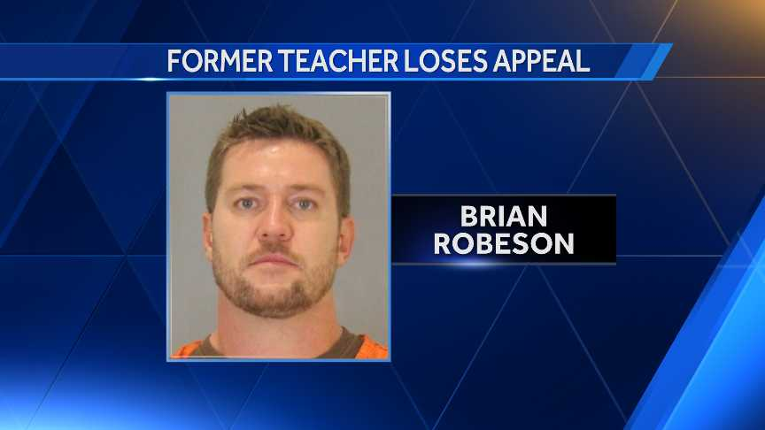 Former Omaha teacher loses appeal in sex case