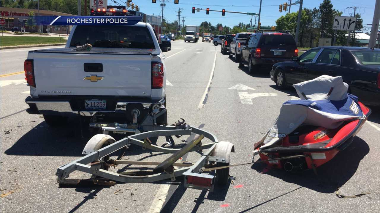 Car collides with trailer in Rochester, police say