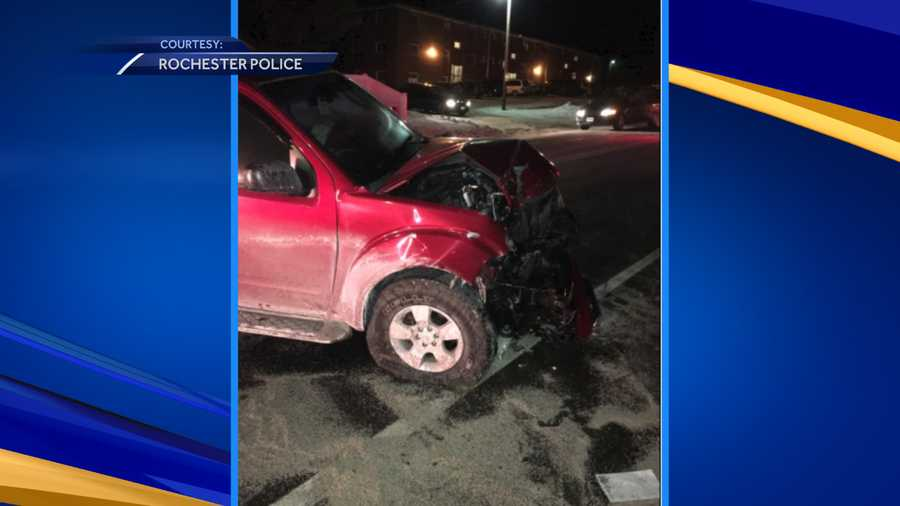 Man hospitalized after two car crash in rochester for Medical motor service rochester ny