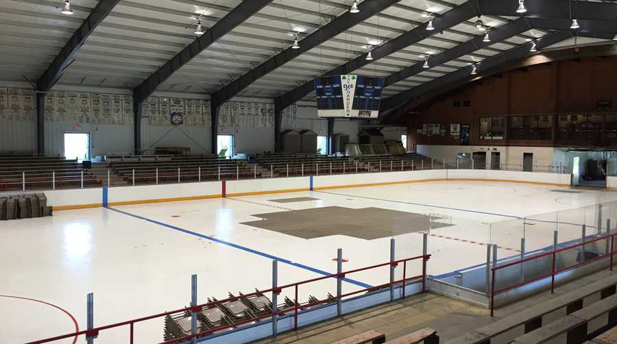 Rostraver Ice Garden makes final two in Kraft Hockeyville USA competition