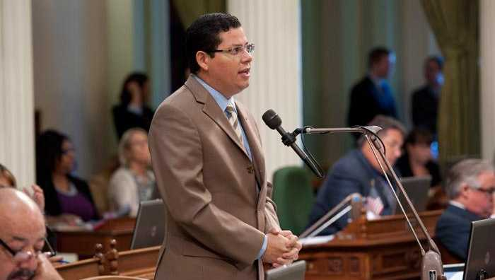 Asm. Rudy Salas, D-Bakersfield, speaks in California Assembly on Tuesday, April 8, 2014.