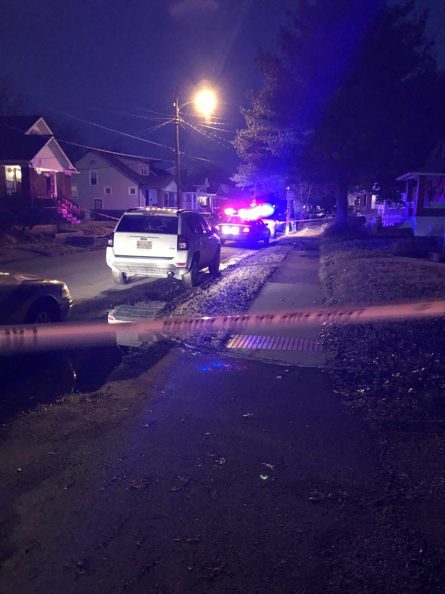 Double shooting leaves 1 dead