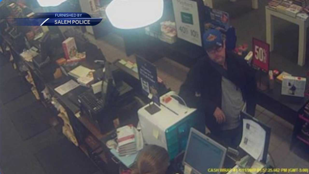Man walked out of Barnes & Noble with $400 worth of books