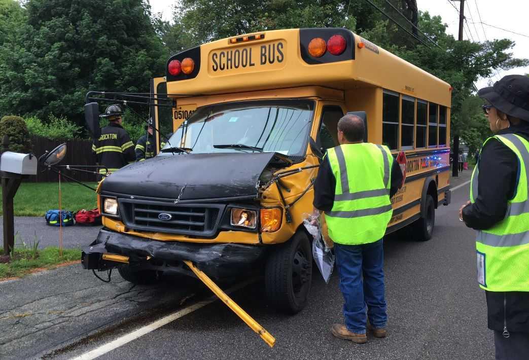 Fleeing SUV hits bus in St. Louis, injuring passengers