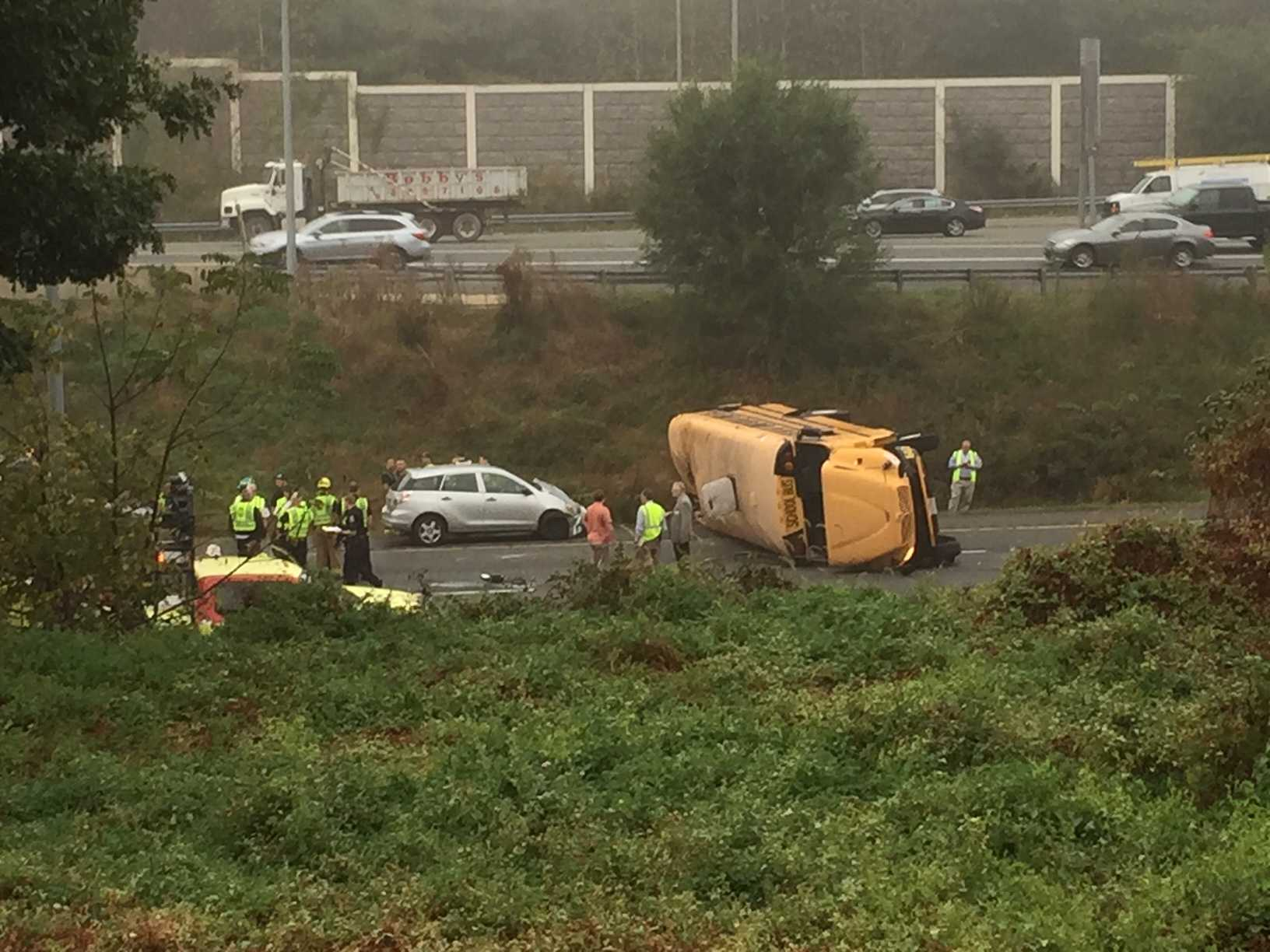 5 injured after school bus overturns in Ellicott City