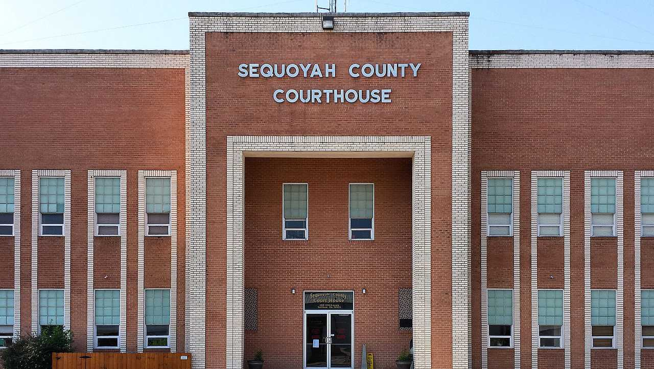 Sequoyah County Courthouse in Sallisaw