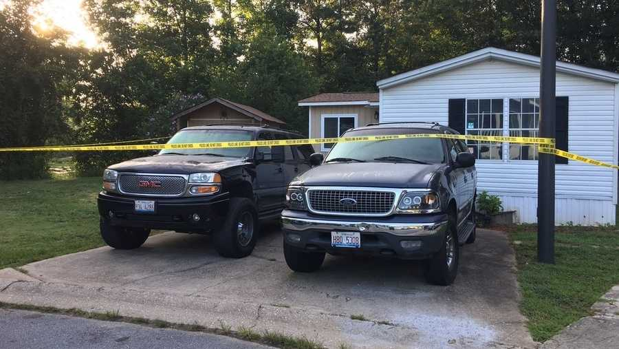 Police Say 4 Children, 1 Man Found Stabbed to Death at Home