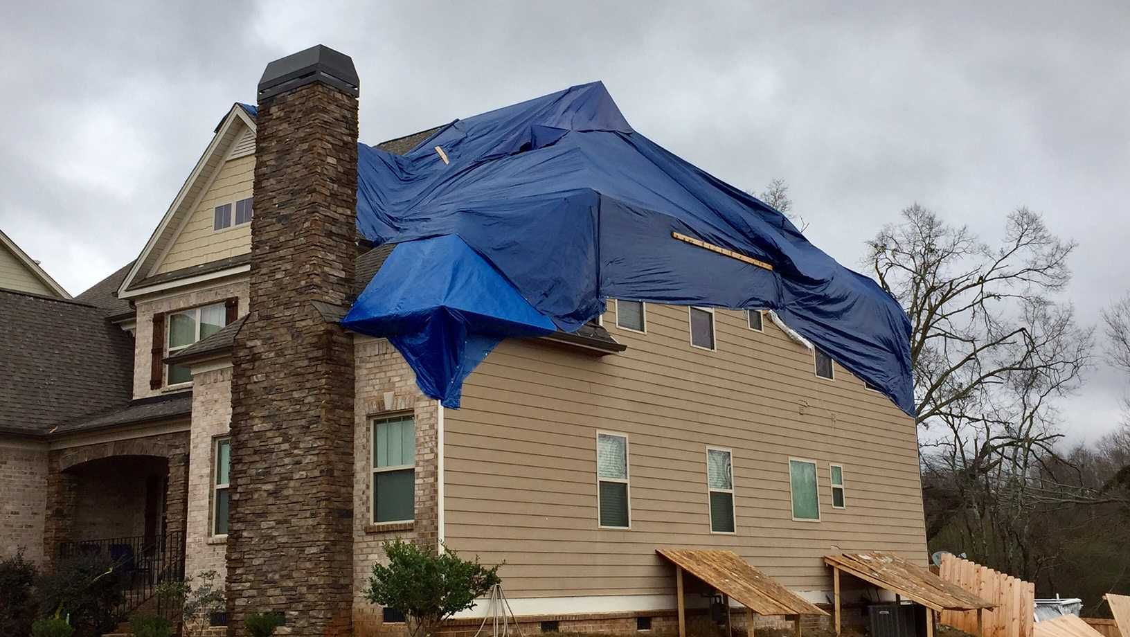Tornado clean up continues in Simpsonville