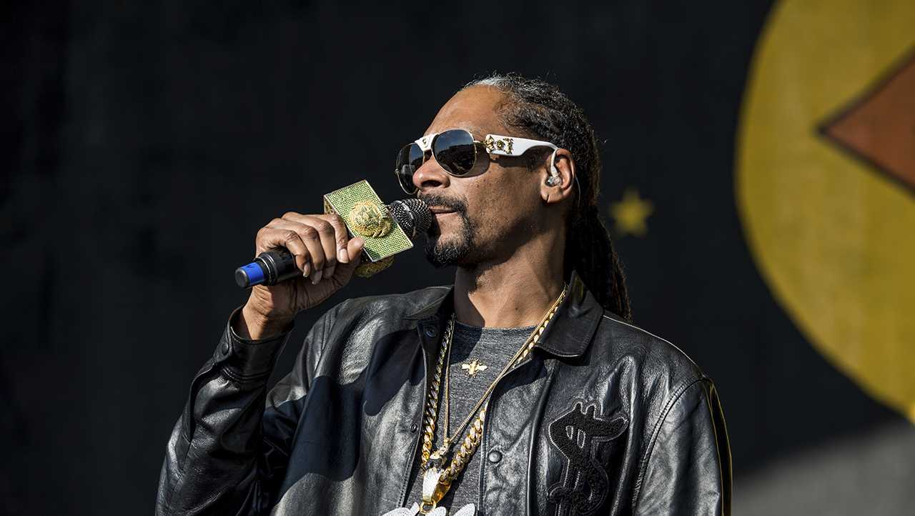 Snoop Dogg performs at the New Orleans Jazz and Heritage Festival on Saturday, May 6, 2017, in New Orleans. (Photo by Amy Harris/Invision/AP)