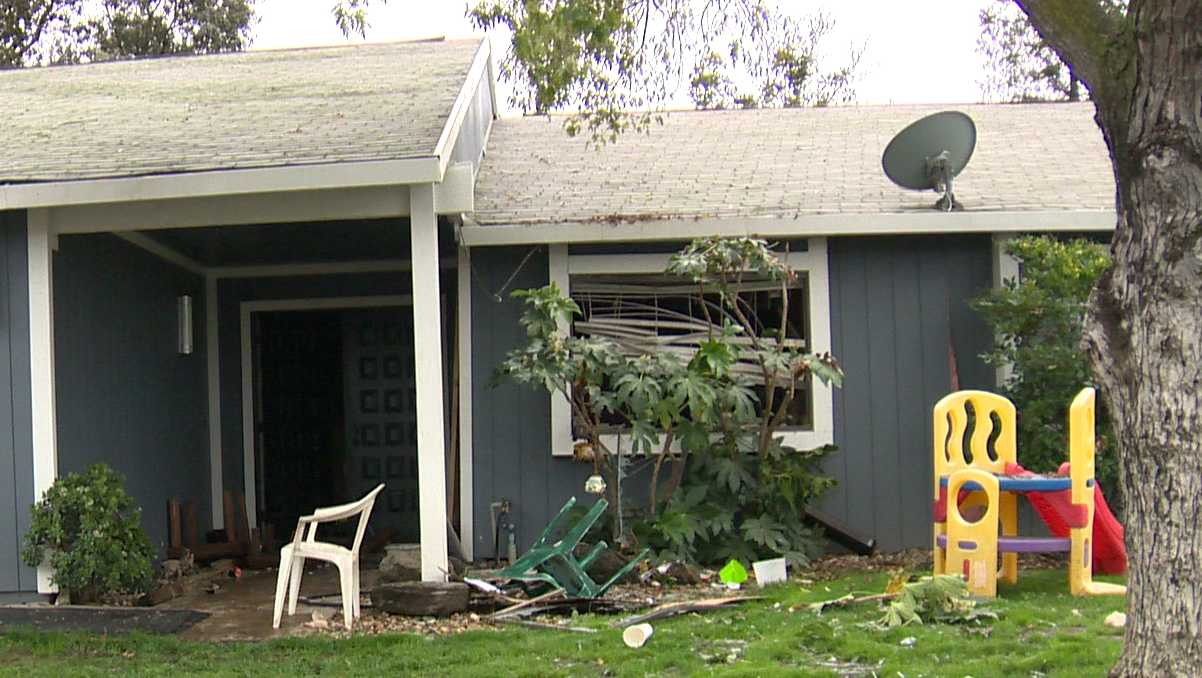 An explosion in a bedroom of a south Sacramento home on Friday, Oct. 28, 2016, injured two people. Investigators said a honey oil lab exploded.