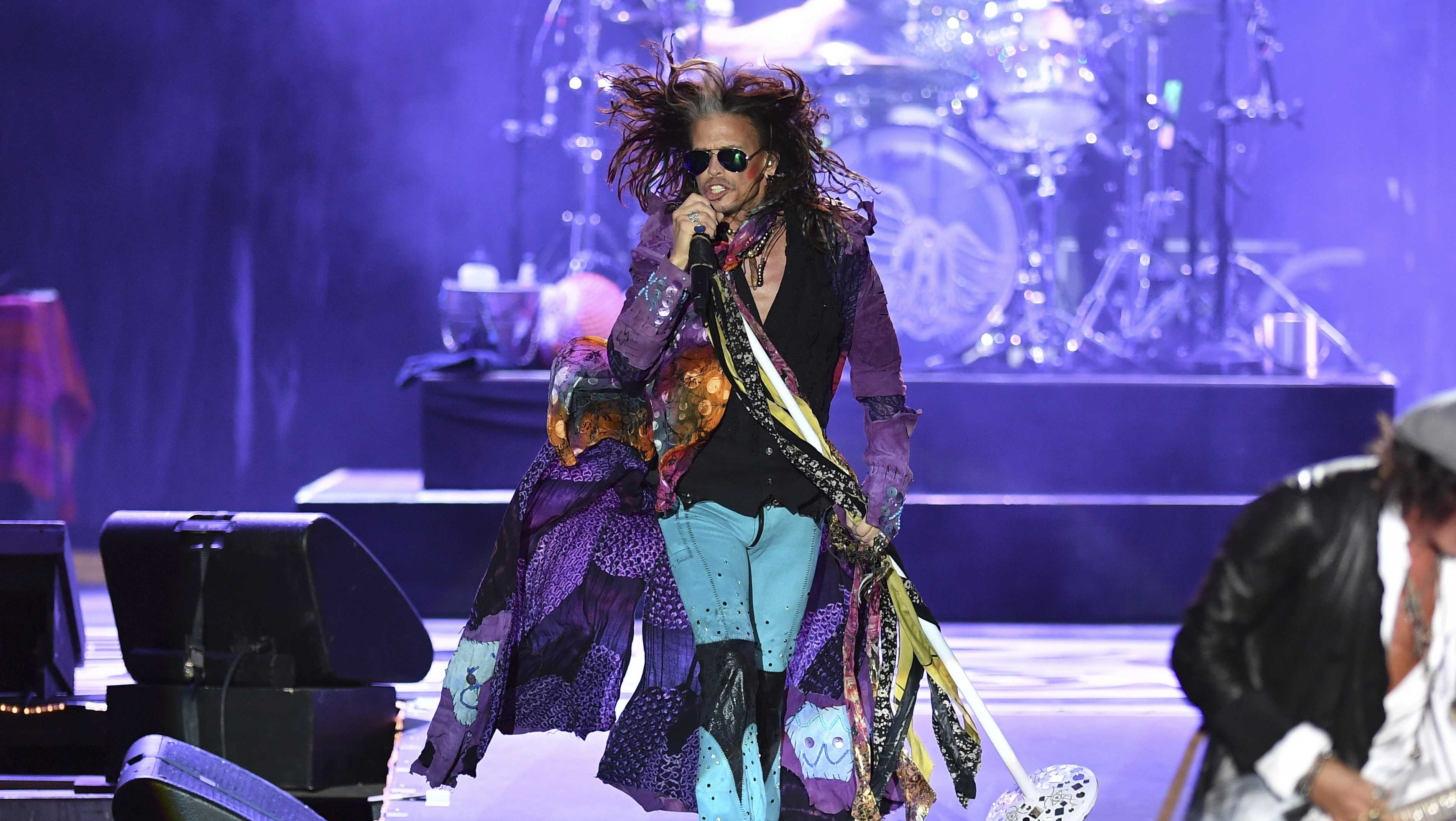 Steven Tyler performs during a concert at the Koenigsplatz in Munich, Germany, Friday, May 26, 2017.