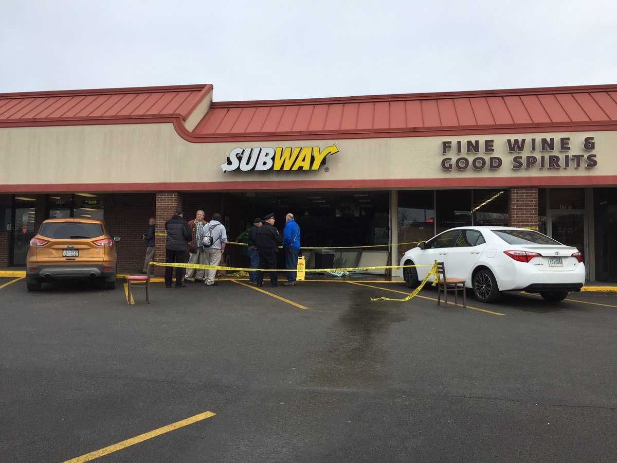 Car crashes into Subway restaurant in Shaler, one person hurt