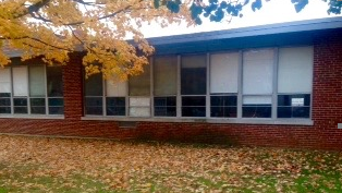 """3rd grade classroom window—I (Susan Banyas) was inside, the Marching Mothers were outside the school is gone"""