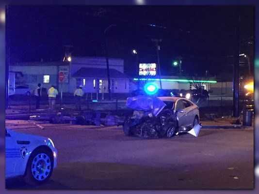 One killed, several injured in overnight wreck in Charlotte