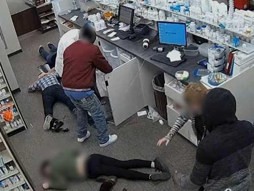 Swan Serv-U Pharmacy, Robbery