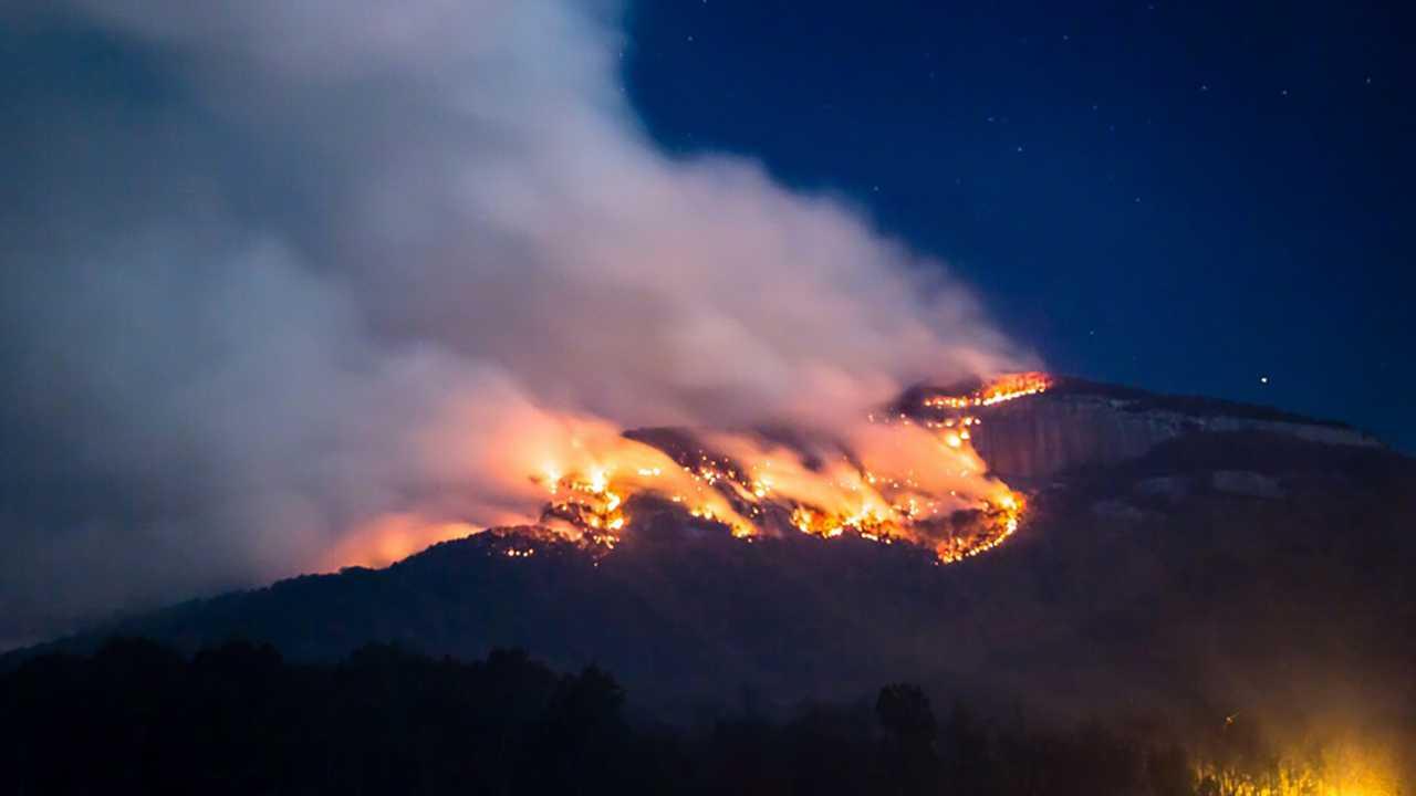 Table Rock/Pinnacle Mountain fire