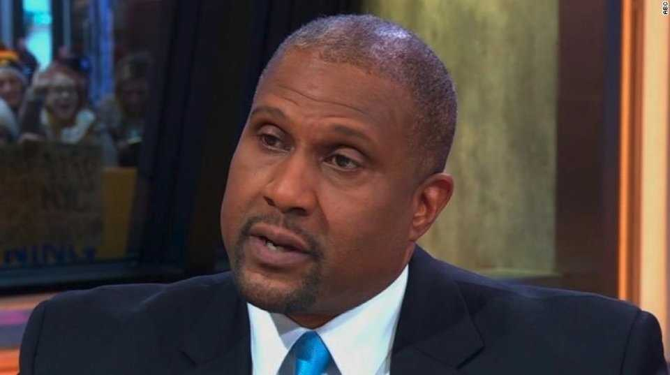 Tavis Smiley sues PBS, says sexual misconduct investigation was biased