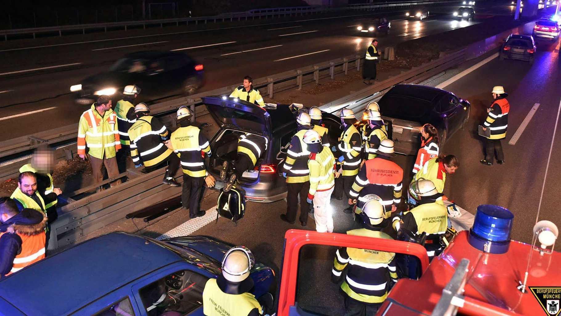 Tesla driver saves motorist in Germany