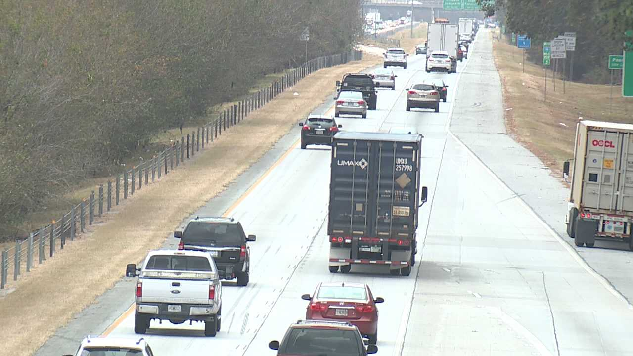 Mississippians take to road, sky as Thanksgiving holiday approaches