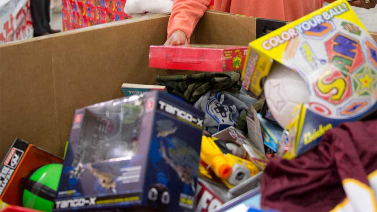 Help Toys For Tots Still Needs About 8 000 Toys