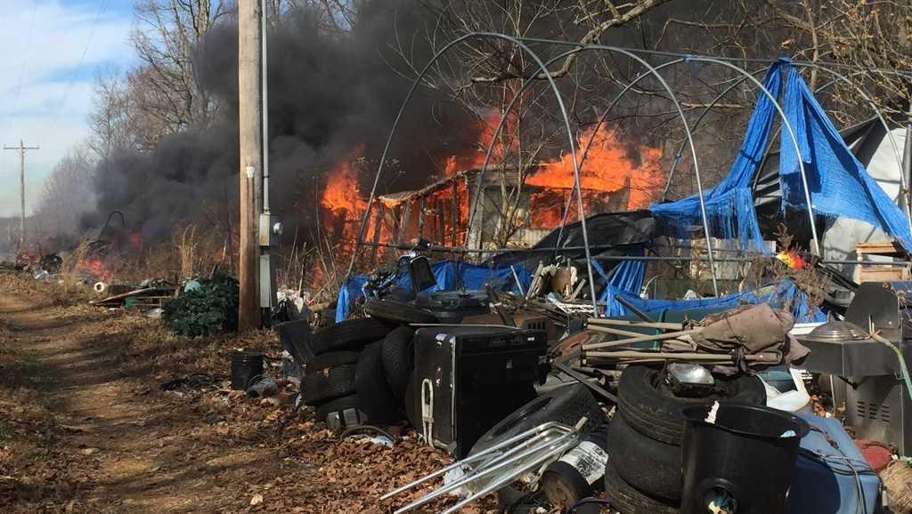 trailer fire in Gravette