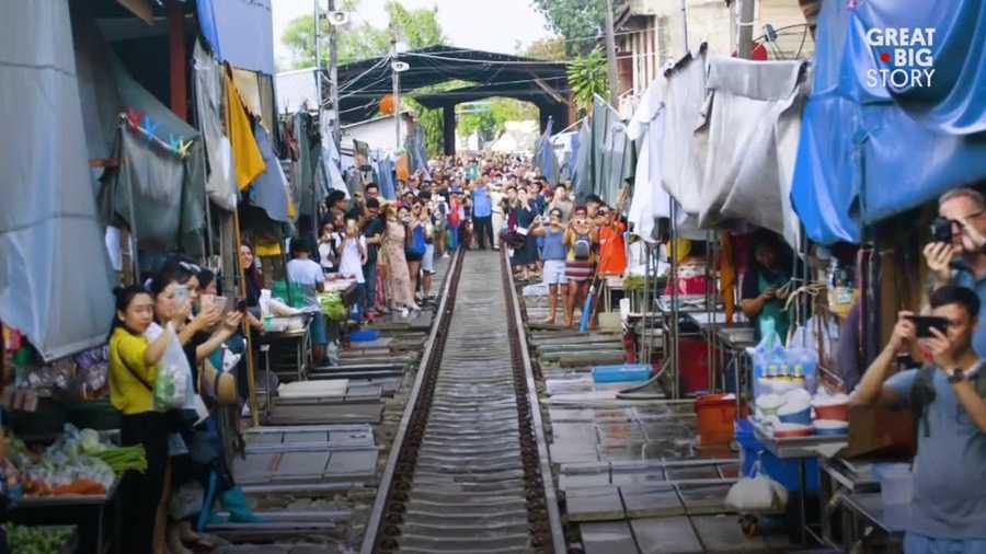 Zanimljivi putevi, staze, ceste - Page 2 Train-market-1512675682.jpg?crop=1.00xw:1