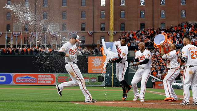 Mark Trumbo, Orioles celebrate home run