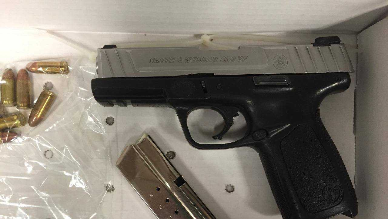 TIPD find stolen gun, drugs in car near pier