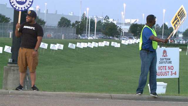 Nissan workers reject United Auto Workers in Mississippi