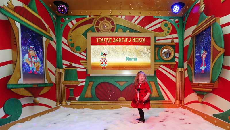 In an effort to lure online shoppers to their stores, many malls are upgrading the traditional visit to Santa into a high-tech experience.