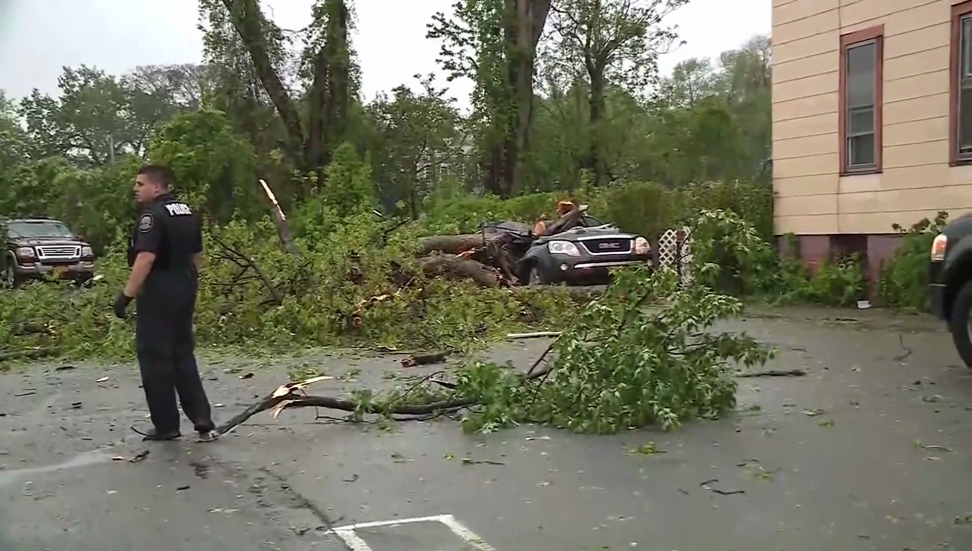Powerful storms pound Northeast, leaving at least 2 dead