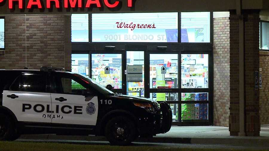 Police arrest man after attempted Walgreens robbery