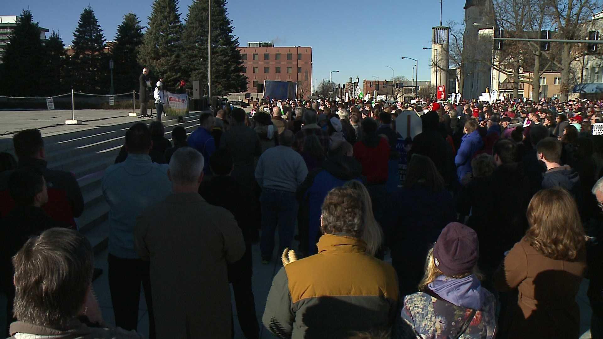 44th Walk for Life draws thousands to Nebraska Capitol