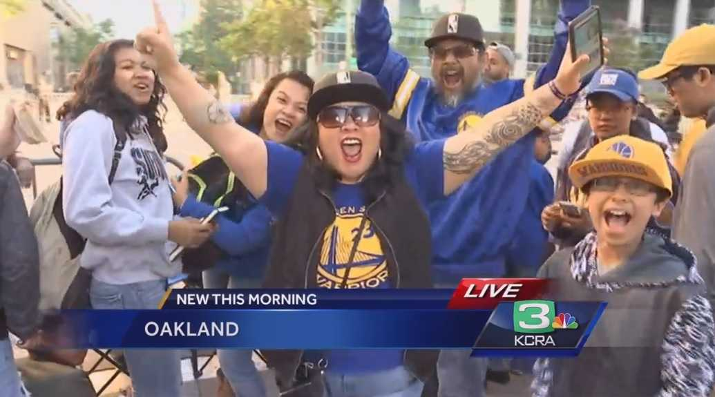 Oakland triumphant as parade celebrates NBA-champion Warriors
