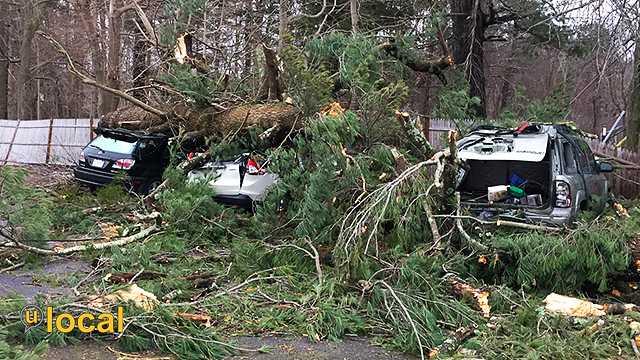 3 Cars Crushed