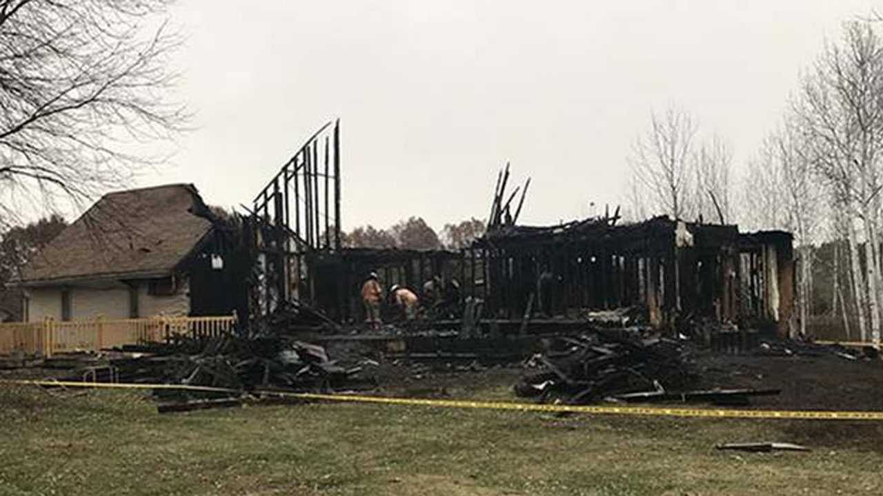 4 children, 2 adults killed in rural northern IL fire