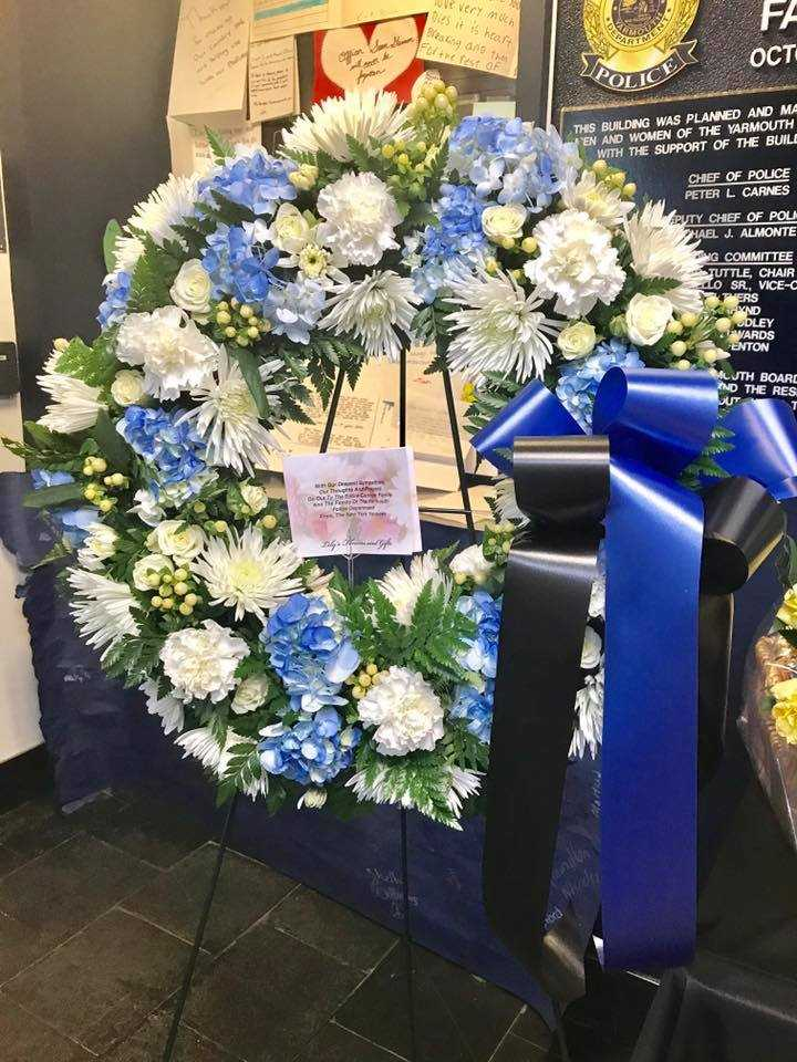 Yankees' classy play honors fallen Massachusetts officer
