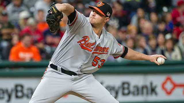 Orioles closer Zach Britton ruptures Achilles during workout