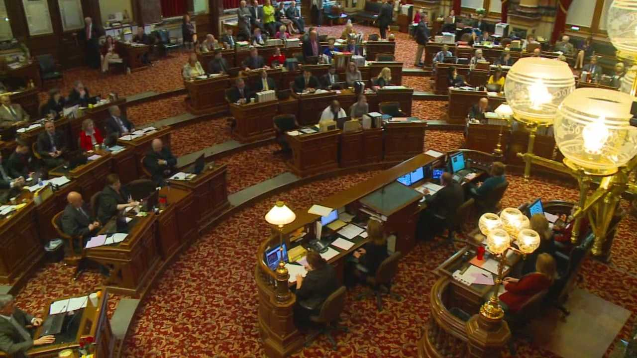 Iowa Senate approves expanded medical marijuana bill