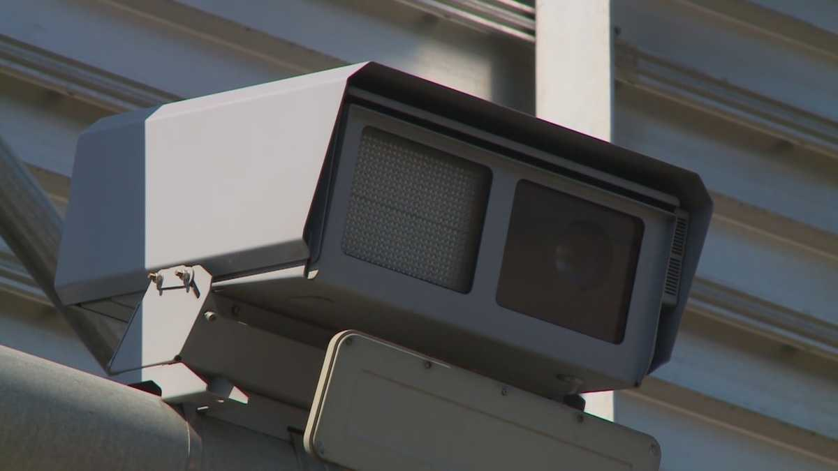 Iowa House approves bill to regulate traffic cameras