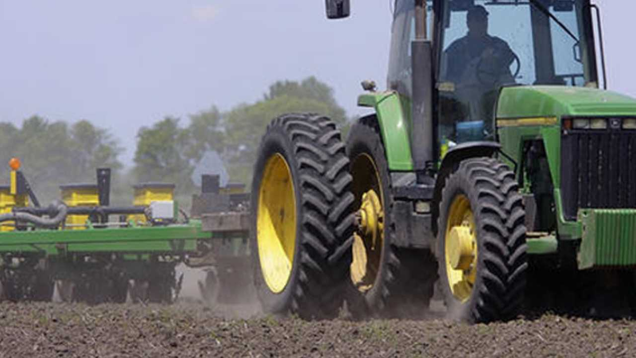 _tractor farm_0060.jpg