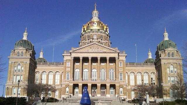 Capitol iowa statehouse exterior generic - 22993504