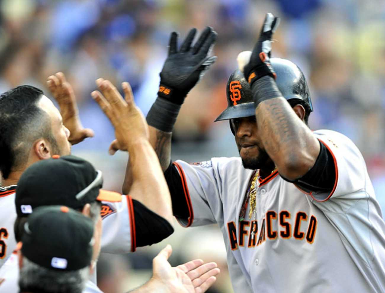 Sandoval returns to Giants